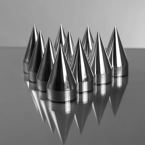 Set of 10 33mm 3.5 Inch Round Spikes